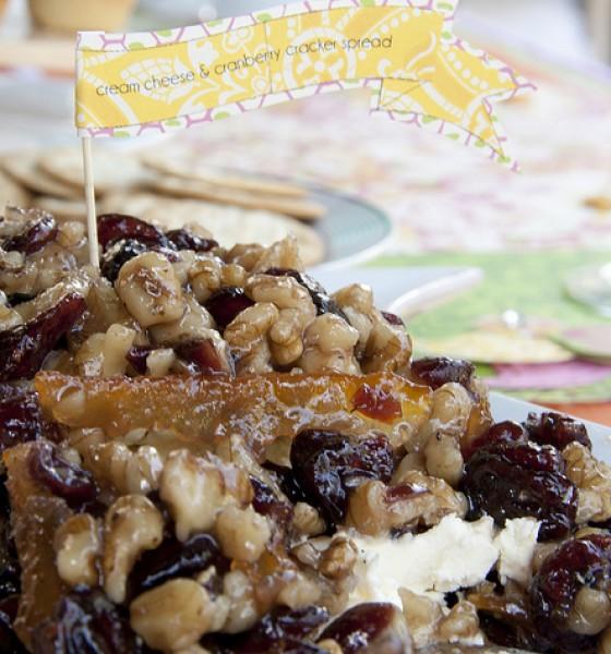 Cranberry & walnut cream cheese spread